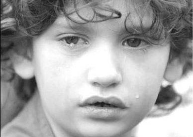 صور اطفال حزينين دموع أطفال Crying Kid - صور أطفال بيبي منوعة أولاد وبنات جميلة Baby Kids Images